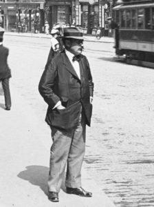 Josef Mumb auf der Mariahilferstraße