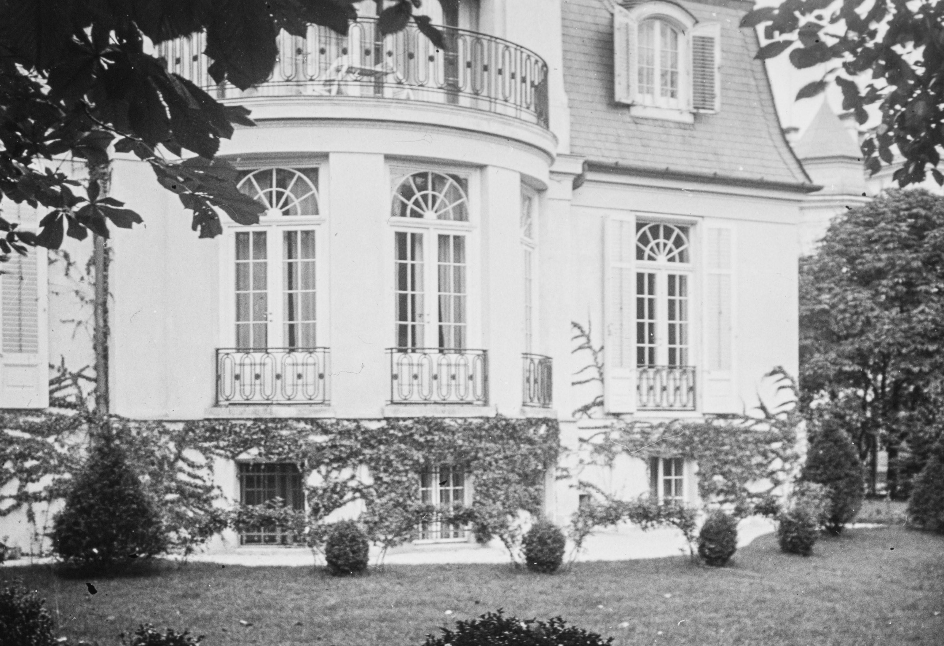 Architekturfoto der Villa der Familie Mumb.