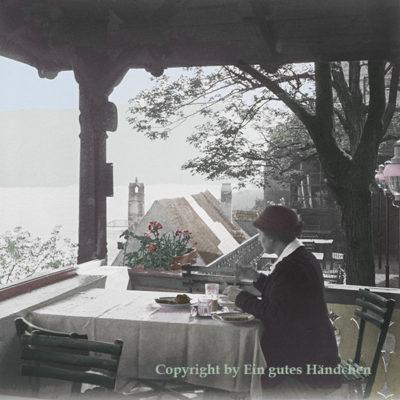 Dünstein Frühstück im Löwenherz: historische Aufnahme koloriert von Ein gutes Händchen